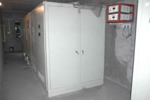 YJ32系列液压机 YJ27单动薄板冲压液压机 YJ61系列挤压液压机 YJ高清图片