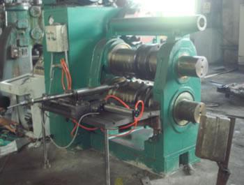 D43-460带简易机械手的半自动型辊锻机