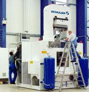 1,000公吨挤压压力机