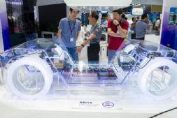 """汽车生产受限,中国汽车产业缺""""芯""""如何破局?"""