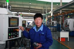 大国工匠:从普通电工成为工人发明家――瓦轴集团李书乾