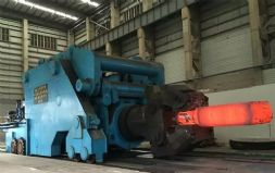 中国重型院研制成功世界最大锻造操作机